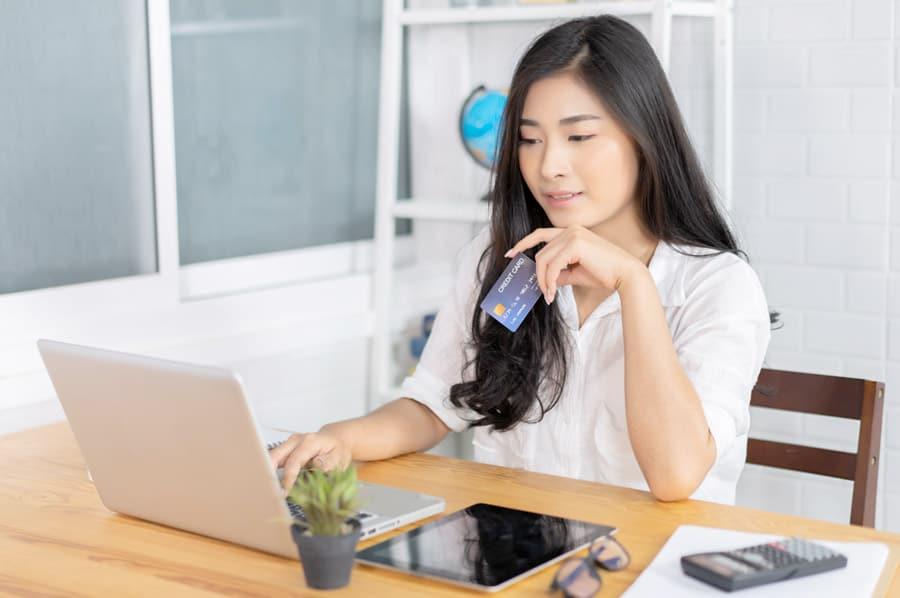 Woman buying stuff online